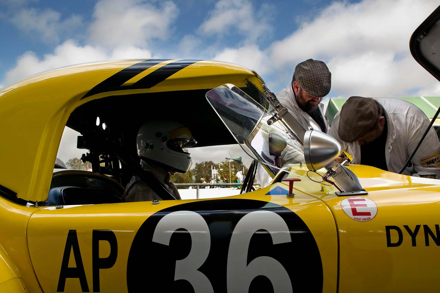 Yellow-AC-Cobra-in-the-pits-with-crew-Rev-06